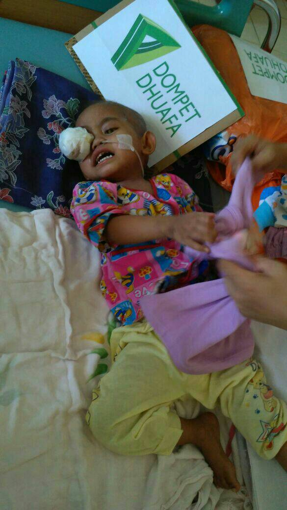 Salsakiyya Bocah Istimewa Berjuang Melawan Tumor Mata